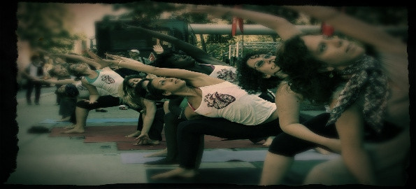 My Kula - Christi-an Yorkville CANADA  Flashmob Fridays | Yoganomics | FlashMobYoga